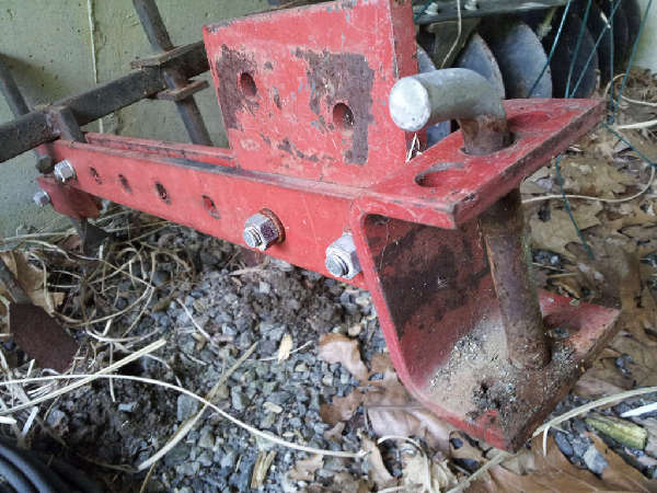 Tillers and Ploughs: Adapting-Wheelhorse-Clevis-to-Category-I-with-2-hitch-plate