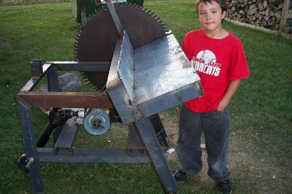 Tractor Implements: Cordwood-Saw-or-Buzz-Saw-project