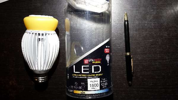 Electric: LED-light-bulb-hum