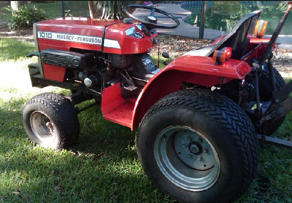 Massey Ferguson: Tire-Chain-Interference-on-MF-1010-w-Turf-Tires
