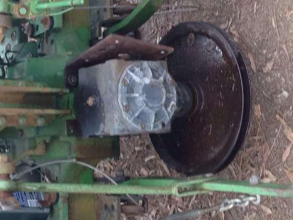 John Deere Garden: John-Deere-850-Lawn-tractor-Belt-Installation-