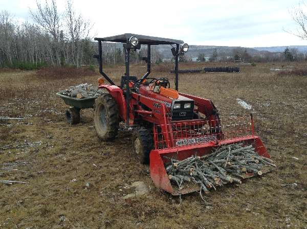 Massey Ferguson: Backhoe-for-1020
