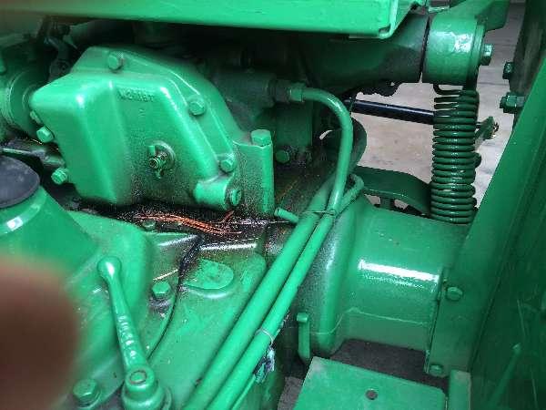 John Deere Older: 1952-John-Deere-40-U-Add-External-hydraulics